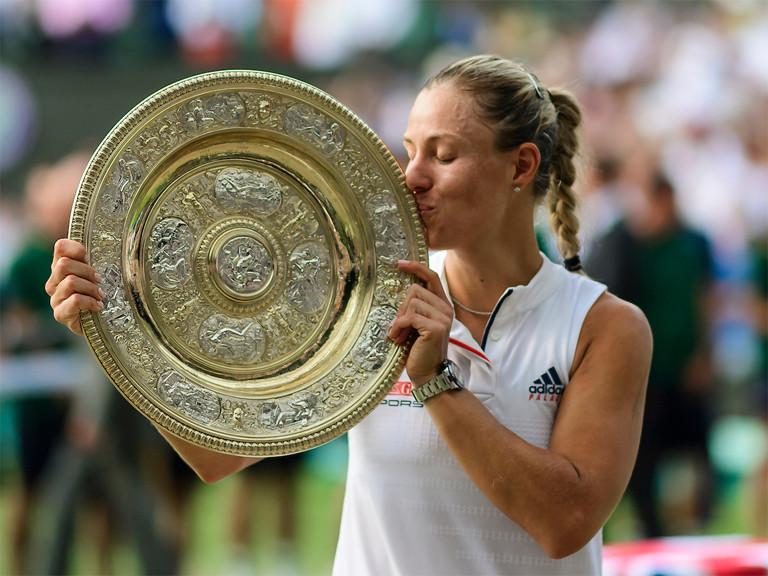2018_Wimbledon_Angie mit Schale